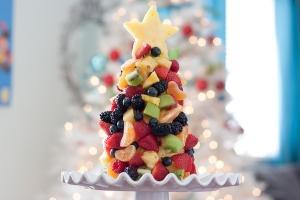 Tasty-Kitchen-Blog-Fruit-Christmas-Tree-00